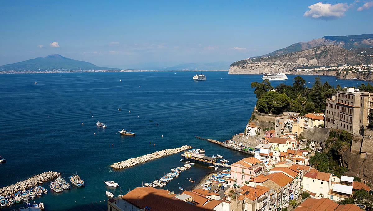 Walking And Hiking In Amalfi Sorrento And Capri Italy